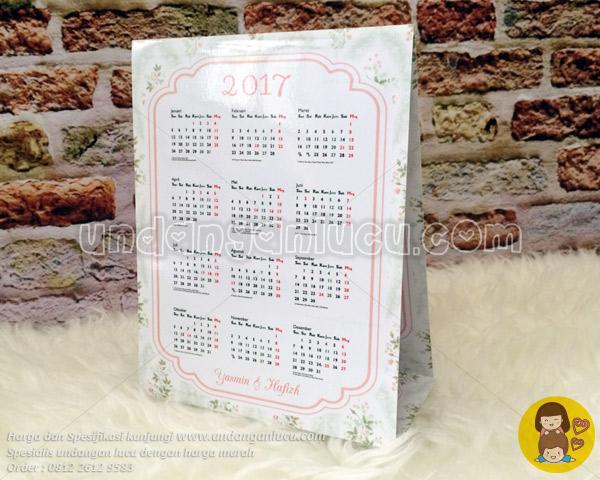 Fungsional 3 Undangan Kalender Softcover Lipat 3